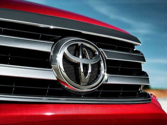 В России отзываются Toyota и Lexus с дефектными подушками безопасности