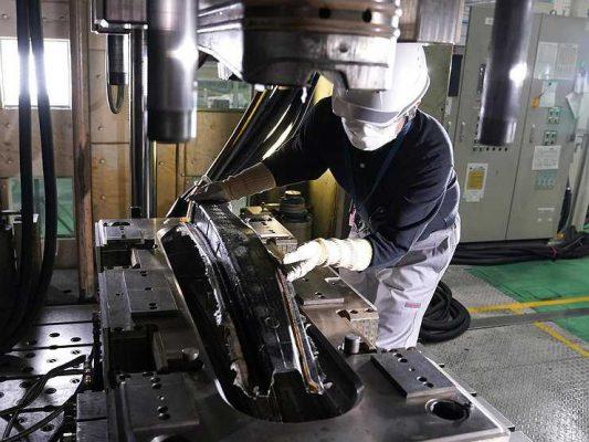 Nissan планирует широко использовать углепластик в массовых моделях авто