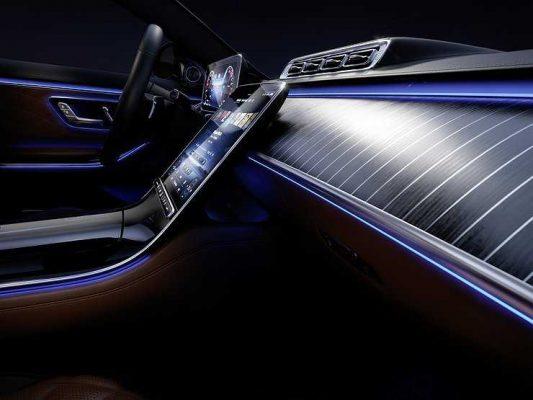 Новый Mercedes S-класса: в салоне произошла дизайн-революция