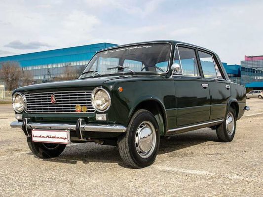ВАЗ-2101 — полвека друг человека: ретро тест-драйв «копейки» 1970 года выпуска